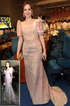 Lucy Torres-Gomez, Congresswoman of the district ng Leyte, is wearing a soft-pink Randy Ortiz terno at the 2012 SONA. This looks similar to the terno she wore at the last SONA (inset). Modern Filipiniana Gown, Filipiniana Wedding Theme, Filipino Fashion, Gowns Of Elegance, Mothers Dresses, Groom Dress, Traditional Dresses, Fashion Dresses, Gq Fashion