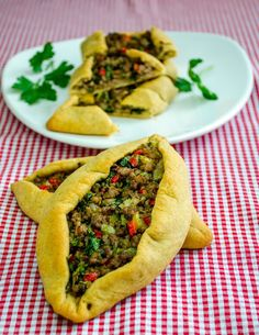 #Turkish #Pide with Ground #Beef - SO easy to veganize with TVP or tofu or just mixed veggies. YUM!