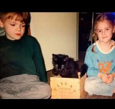 Awwww little Thomas and Ava.<<<Thomas looks like he's gonna kill that cat (BUT STILL ADORABLE)