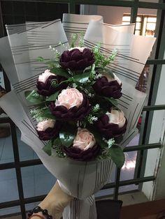 Handmade Flowers, Diy Flowers, Paper Flowers, Flower Diy, Flower Bouquets, Hand Tied Bouquet, Birthday Wishes, Flower Power, Floral Arrangements