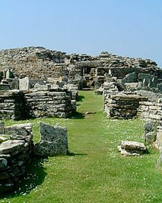 Broch of Gurness - Orkney Islands, Scotland Scotland Uk, Scotland Travel, Orkney Islands, Scottish Islands, Culture Travel, British Isles, Ancient Ruins, Historical Sites, Places To See