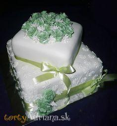 Svadobné torty, poschodové svadobne torty » Svadobná štvorcová torta s kvetmi, ruže na svadobnej torte