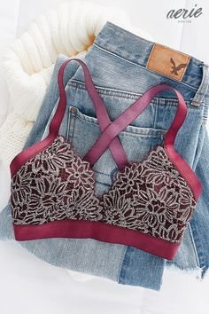 Like the combo of lace and solid elastic. More a bra than a bralette. Cool Outfits, Fashion Outfits, Womens Fashion, Lingerie, Passion For Fashion, Dress To Impress, Autumn Winter Fashion, What To Wear, My Style