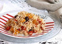 Il riso basmati con verdure è un piatto leggere e veloce che si può servire sia caldo che freddo. Ottimo anche da portare in spiaggia oppure al lavoro.