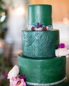 Desi Wedding Trends for 2019 Wedding Desserts, Wedding Cakes, Mehndi, Sangeet Outfit, Bollywood, Hollywood Red Carpet, Indian Wedding Planning, Coral, Desi Wedding