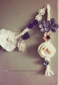 DIY Yarn Jewelry Holder. Awesome.