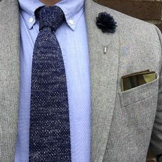 """For its first trip out into the wild, I decided that I didn't want to use a tie clip to restrain the awesomeness of this @jacksartorinyc knit tie from the…"""