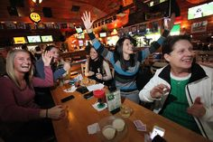 Thanks to Packers, it's Thanksgiving at the bars.