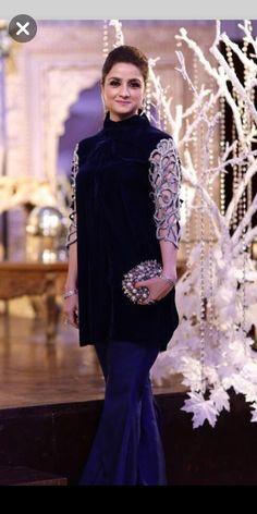 Pakistani Formal Dresses, Pakistani Wedding Outfits, Pakistani Dress Design, Nikkah Dress, Indian Dresses, Indian Outfits, Velvet Dress Designs, Stylish Dresses For Girls, Girls Dresses