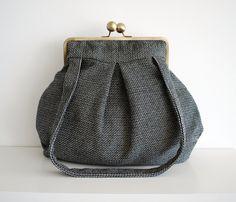 Black And White Bag Shoulder Handbag Kiss Lock Kisslock Purse Retro Vinatge Style