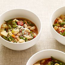 This Slow Cooker Minestrone soup freezes well so why not make a double batch? Just cook in a 6-quart or larger slow cooker and increase the cooking time by an hour or so. #recipe #WWLoves