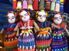 Broche de Pelo con muñequitas, Guatemala. Karlbert, via Flickr