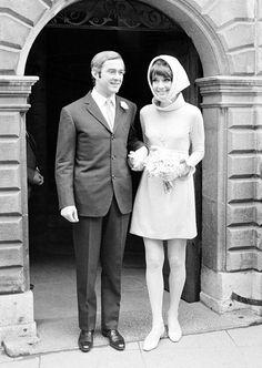 Os vestidos de noiva de Audrey Hepburn   O blog da Maria. #casamento #vestidodenoiva #AudreyHepburn