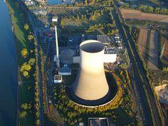 """Německá energetika bývá v českém kontextu často zesměšňována. Panický ústup od jádra, zelená lobby, přenosová síť před zhroucením, to bývají nejčastější silácká prohlášení. Jenže Německo mělo pro stopku jaderné energetice dobré důvody a tento kontext je dobré znát. """"Pro Německo je energetická transformace srovnatelná s generačními úkoly, jakými byla znovuobnova Německa po druhé světové válce …"""
