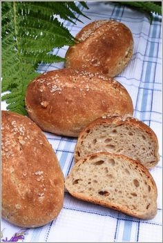 Špekové dalamánky Dumplings, Bread Recipes, Pizza, Baking, Food, Buns, Recipes, Bakken, Backen