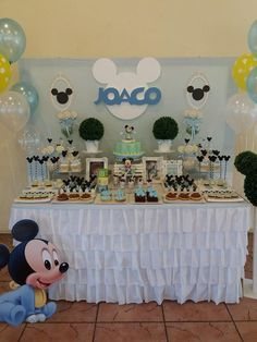 Festa baby do mickey. Festa Mickey Baby, Fiesta Mickey Mouse, Mickey Party, Mickey Mouse 1st Birthday, Baby Boy 1st Birthday, Baby Shower Centerpieces, Baby Shower Decorations, Baby Shower Parties, Baby Shower Themes