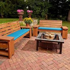 This patio bench offers comfortable seating with built-in end tables to set your drinks at parties and barbecues.