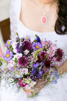 Purple and lilac bridal bouquet | Photography by http://www.annelimarinovich.com/