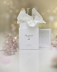 Discover 50 ml Eau de Senteur on Bonpoint. Explore our latest collections and shop our exclusive products online with an elegant and refined packaging. Communion, Beaux Desserts, Valentine Day Gifts, Valentines, Orange Blossom Water, Graphic Design Fonts, Christmas Mantels, Nursery Inspiration, Alcohol Free