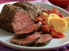 Make this delicious roast recipe today. Pesto-rubbed beef Tri-Tip Roast with a warm tomato sauce. Roast Recipes, Steak Recipes, Gourmet Recipes, Healthy Recipes, Cooker Recipes, Sirloin Roast, Sirloin Tips, Rib Roast, Roast Beef