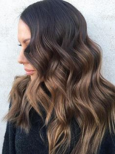 The Top NYC and LA Hair Color Trends Brown Hair Cuts, Brown Hair Looks, Golden Brown Hair, Brown Hair Shades, Brown Ombre Hair, Brown Hair With Highlights, Brown Blonde Hair, Ombre Hair Color, Light Brown Hair