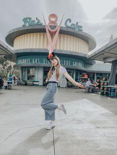 The Best Spots in Disneyland and California Adventures Disney Trips, Disney Parks, Walt Disney, Disney Land Pictures, Travel Pictures, Disneyland Photos, Senior Trip, Senior Pics, Senior Year