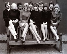 """Fashion ladies - Lately I've been really interested in fashion, especially Swinging London fashion. In this post I'll focus on London fashion and I'll write about Parisian chic """"baby d… Swinging London, 60s And 70s Fashion, Fashion Mode, Retro Fashion, Vintage Fashion, Sporty Fashion, Gothic Fashion, Beatnik Fashion, Beatnik Style"""