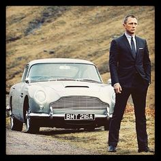 007's Aston Martin DB5!