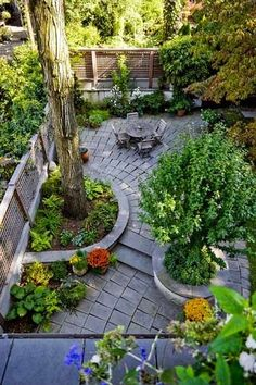 48 Small Backyard Landscaping Ideas with Rocks & Pool on a Budget 48 kleine Garten Landschaftsbau-Ideen mit Rocks & . Small Backyard Gardens, Small Backyard Landscaping, Small Gardens, Outdoor Gardens, Landscaping Ideas, Patio Ideas, Small Patio, Landscaping Software, Small Backyards