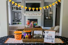 Check out the cool slime activity at this Halloween Party! See more party ideas … Check out the cool slime Halloween Party Activities, Halloween Traditions, Halloween Party Favors, Halloween Dinner, Halloween Celebration, Halloween Crafts For Kids, Fun Activities For Kids, Family Halloween, Halloween Halloween