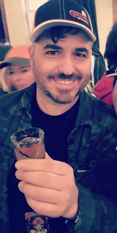 Cheers q ♥️🍹 Brian Quinn Impractical Jokers, Jokers Wild, Hooray For Hollywood, Luke Evans, Attractive People, Dream Guy, White Man, Gorgeous Men, Beautiful
