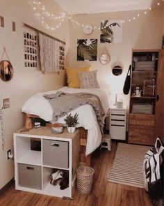 23 beautiful girls bedroom ideas for small rooms 00013 College Dorm Rooms beautiful Bedroom girls Ideas rooms Small Small Room Bedroom, Girls Bedroom, Bedroom Decor, Bed Room, Modern Bedroom, Contemporary Bedroom, Minimalist Bedroom, Bedroom Lighting, Girl Room