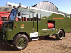 Green Goddess - Bedford Self Propelled Pump Vintage Trucks, Old Trucks, Fire Trucks, Bedford Truck, Chicago Fire Department, Old Lorries, Bus Coach, Heavy Machinery, Green Goddess
