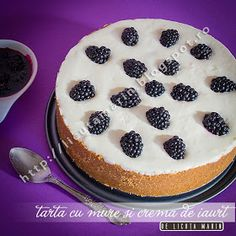 Tart with berries and yogurt cream No Bake Desserts, Delicious Desserts, Yummy Food, Baking Desserts, Recipe Boards, Recipe Link, Easy Food To Make, Taste Buds, Yummy Cakes