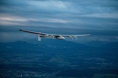 Solar Impulse is a giant jigsaw #puzzle! But how does the #solar plane split apart? Learn about it here: http://www.solarimpulse.com/timeline/view/7688