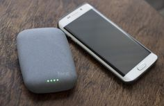 The Qistone+ Wireless Power Bank has four LEDs that let you know how much juice it has lef...