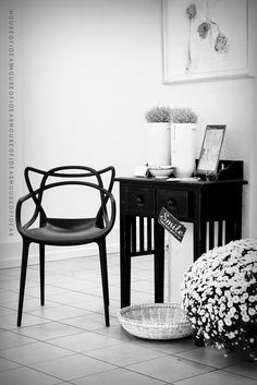 Black | Masters chair by Philippe Starck | In black & white