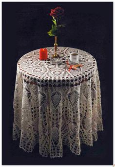 """FREE DIAGRAMS ~ Crochet and arts: Big tablecloth with """"pineapple"""" + small doily"""