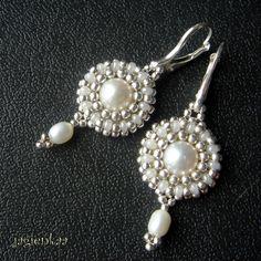 Woven pearl earrings by jagienkaa