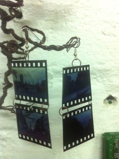 Old dias into earrings. :) I only had a handfull of them, so I couldn't make more. They were sold pretty fast. Recycled Materials, Making Out, Recycling, Dots, Brooch, Shoulder Bag, Pretty, Earrings, Stitches