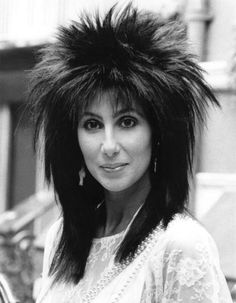 Capelli anni 80 Cher #capelli80 #cher #hairstyles #haircut #hairhistory