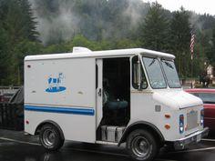 MY 1974 chevy stepvan Hot Dog Cart, Step Van, Lets Run Away, Camper Van Conversion Diy, Cool Vans, Back Doors, Classic Trucks, Cars And Motorcycles, Chevy