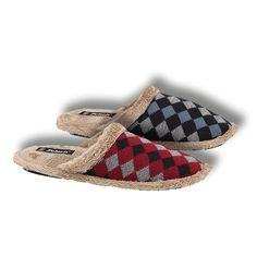Yoğun bir iş gününün ardından dinlenme zamanı... #fashion #fashionable #style #stylish #polaris #polarisayakkabi #shoe #shoelover #ayakkabı #shop #shopping #home #relax #evici