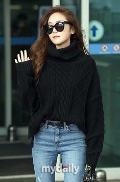 Incheon airport towards Paris Fashion Week