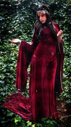 Medieval gown by alma Medieval Gown, Medieval Costume, Medieval Clothing, Medieval Fantasy, Cosplay, Celtic, Beautiful Dresses, Nice Dresses, Dress Up