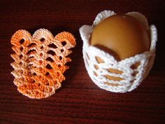 Golden Crochet: For Easter!- Uncinetto d'oro: Per Pasqua! Golden Crochet: For Easter! Easter Egg Pattern, Easter Crochet Patterns, Crochet Ornaments, Crochet Snowflakes, Holiday Crochet, Crochet Gifts, Filet Crochet, Hand Crochet, Easter Tree Decorations