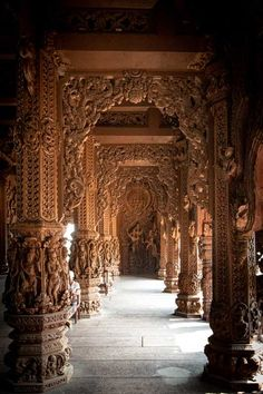 Indian Temple Architecture, India Architecture, Ancient Architecture, Amazing Architecture, Asian Sculptures, Indian Aesthetic, Hindu Art, Beautiful Places To Travel, Pattaya