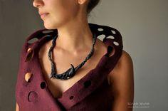 """Колье, бусы ручной работы. Ярмарка Мастеров - ручная работа. Купить Ожерелье """"Птеропус"""", черный фарфор.. Handmade. Авторский…"""