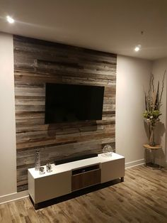 room ideas Trendy Barn Wood Walls Living Room Home Decor Ideas # Feature Wall Living Room, Accent Walls In Living Room, Living Room Tv, Tiled Wall Living Room, Wooden Accent Wall, Man Cave Accent Wall, Wood Home Decor, Diy Interior, Design Case