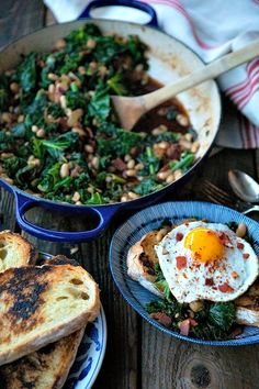 Tender beans and greens, caramelized onions, savoury bacon, sliced garlic, smoked paprika, and a hint of spice, star in this one-pot, low cost, crowd-pleaser served over indulgently thick slices of crunchy-edged, pan toasted garlic bread.